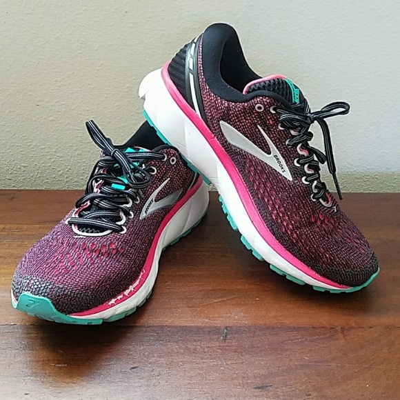 Brooks Shoes | Ghost 11 Size 9w Wide